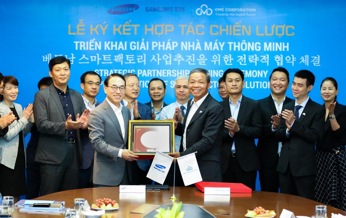 CMC cooperated with SAMSUNG SDS to deploy smart factory solution and IoT in Vietnam and the region