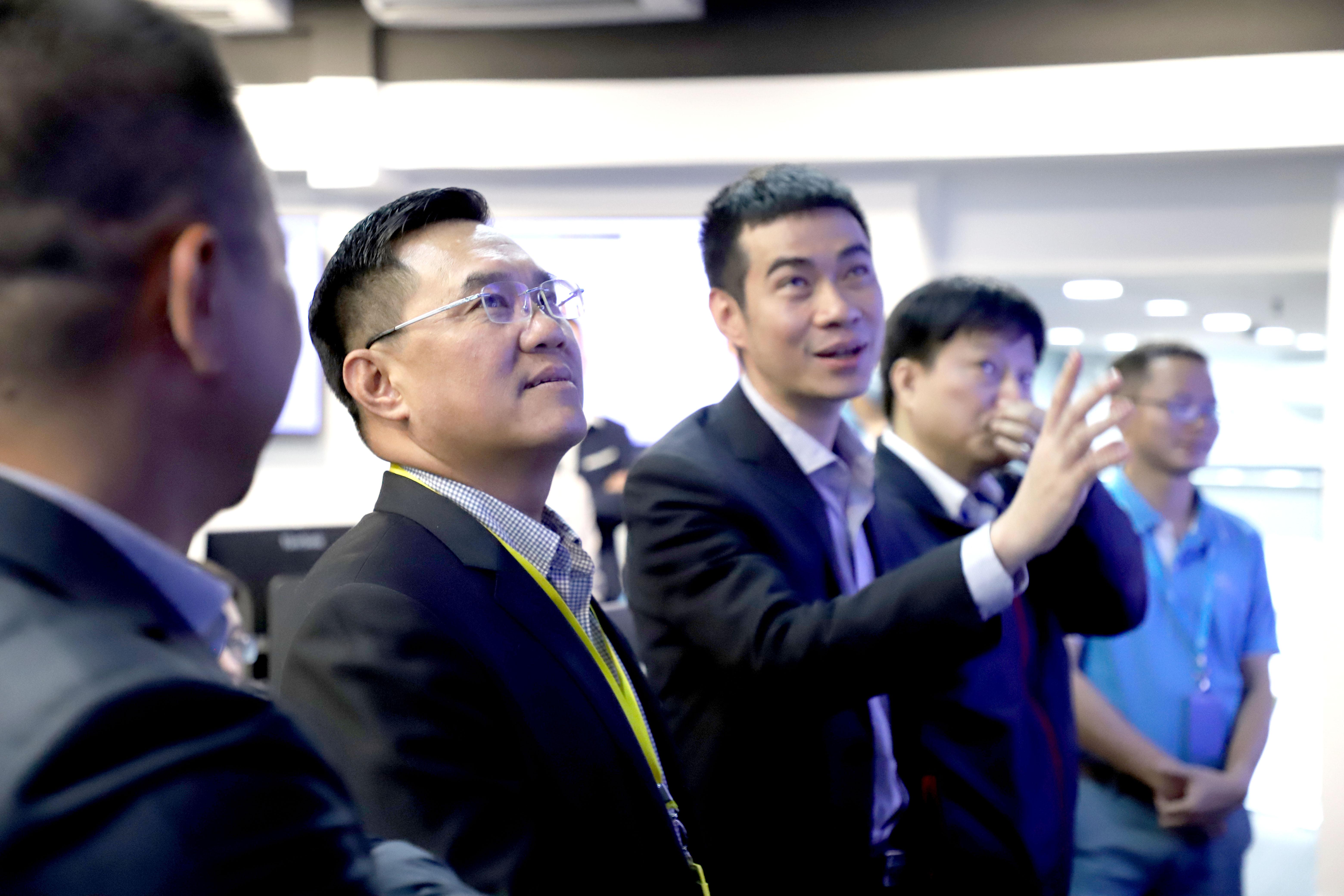 Lãnh đạo cao cấp Tập đoàn Bảo Việt tiếp tục sang làm việc sâu hơn với CMC Telecom về DC và chuyển đổi số